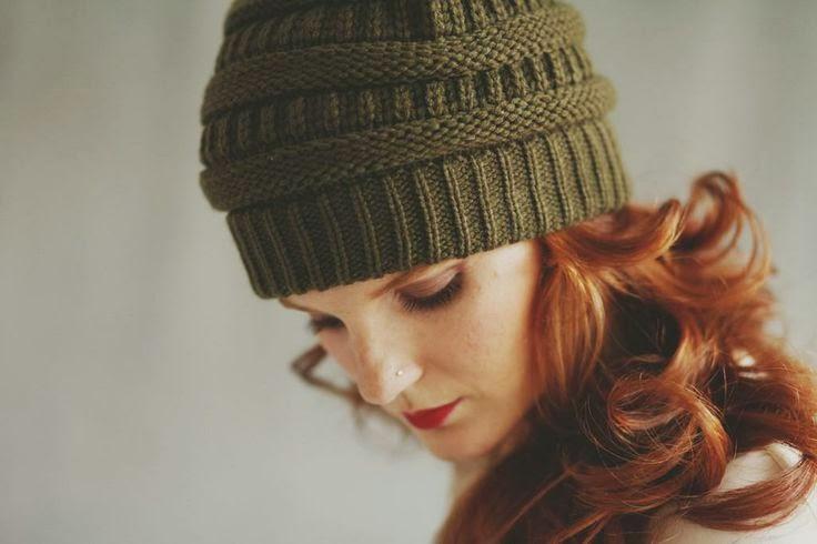 Cappelli  come abbinarli a viso e capelli. – Anna Venere  b3bf1aecbe44