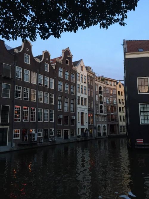 a1sx2_Thumbnail1_amsterdam.JPG