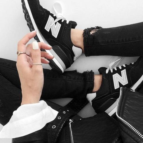 a1sx2_Thumbnail1_scarpe-ginnastica-comprare8.jpg