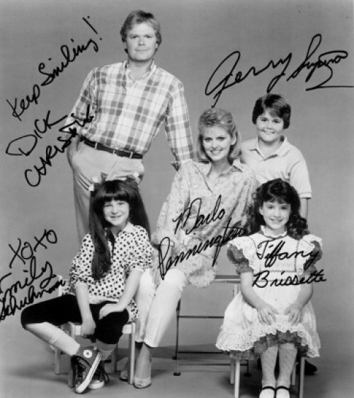a1sx2_Thumbnail1_Color-block-anni-80-smallwonder.jpg
