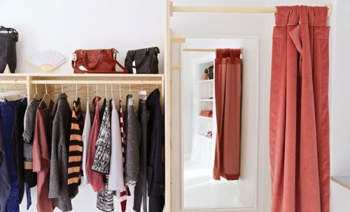 a1sx2_Thumbnail1_window-shopping7.jpg