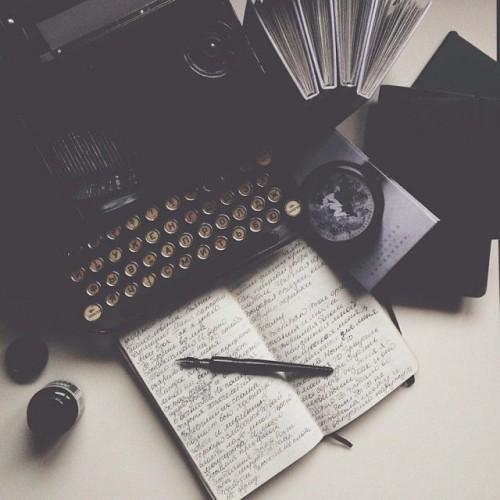 a1sx2_Thumbnail1_scrivere_un_libro.jpg