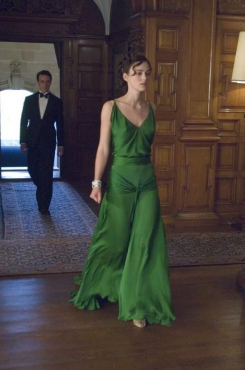 a1sx2_Thumbnail1_keira-knightley-donna-rettangolo-dress.jpg
