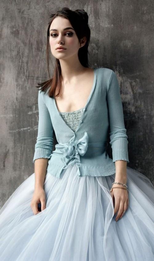 a1sx2_Thumbnail1_keira-knightley-donna-rettangolo-dress6.jpg