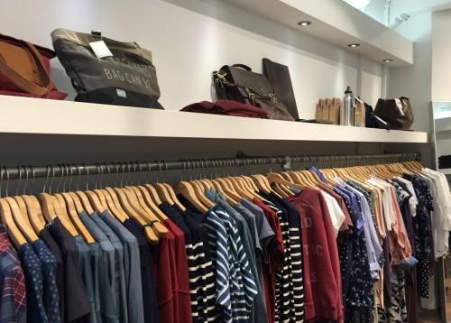 a1sx2_Thumbnail1_amsterdam-shopping-nukuhiva1.JPG