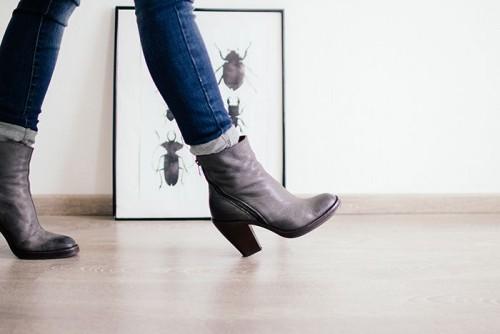 a1sx2_Thumbnail1_scarpeepantaloni6.jpg