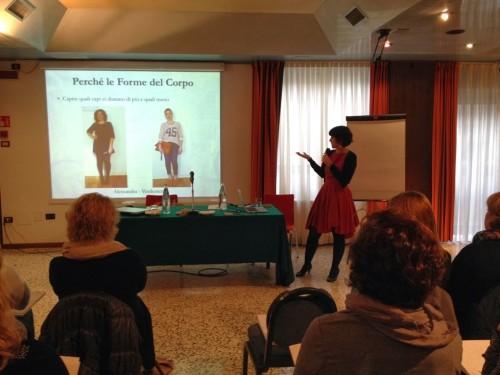 a1sx2_Thumbnail1_Corso-imparare-vestirsi-bologna8.JPG