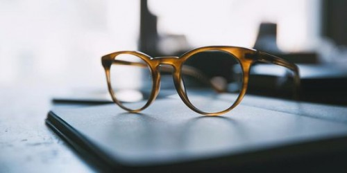 a1sx2_Thumbnail1_scegliere-occhiali-forma-viso6.jpg